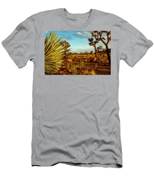 Desert Fan Men's T-Shirt (Athletic Fit)