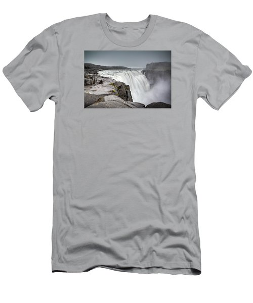 Dettifoss Men's T-Shirt (Athletic Fit)