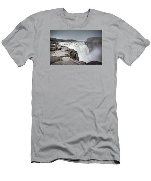 Dettifoss Men's T-Shirt (Athletic Fit)