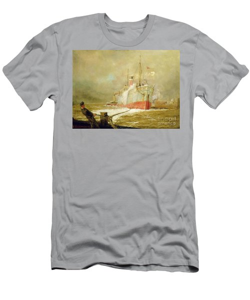 Docking A Cargo Ship Men's T-Shirt (Athletic Fit)