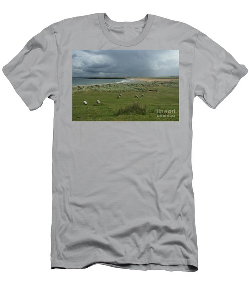 Doogh Beach Achill Men's T-Shirt (Athletic Fit)