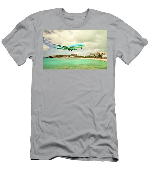 Dramatic Landing At St Maarten Men's T-Shirt (Athletic Fit)