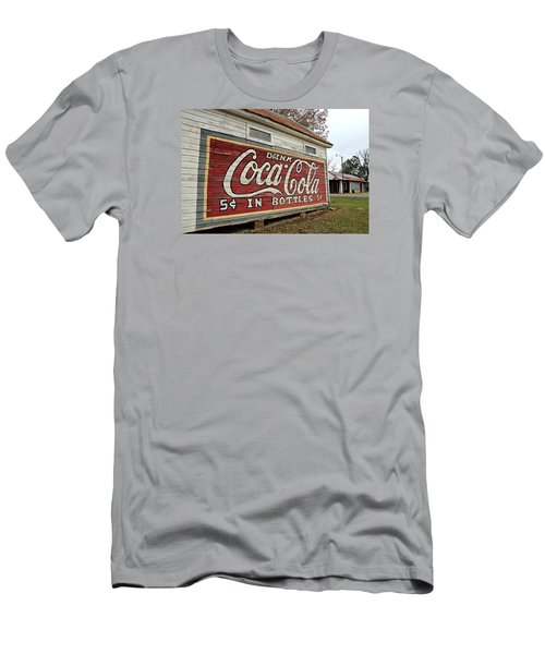 Drink Coca-cola Men's T-Shirt (Athletic Fit)