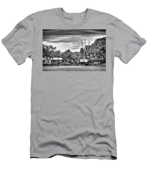 Dry Dock - St. Helena Shrimp Boat Men's T-Shirt (Athletic Fit)