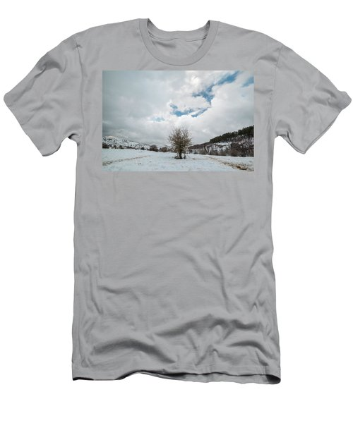 Dry Tree In The Snow Men's T-Shirt (Athletic Fit)