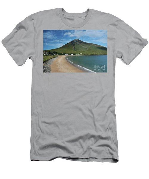 Dugort Beach Achill Men's T-Shirt (Athletic Fit)