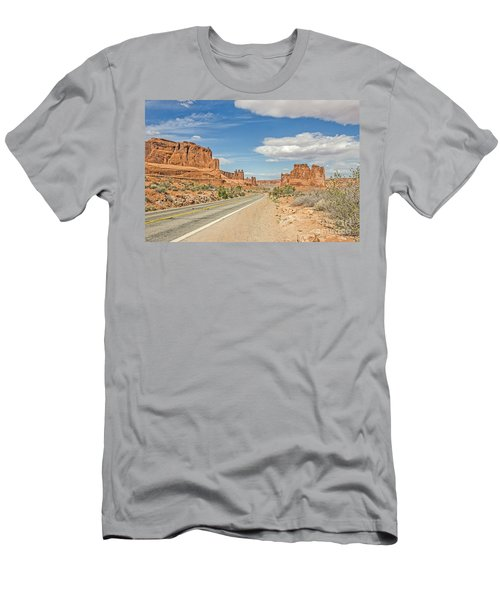 Entrada Sandstone Formations Men's T-Shirt (Athletic Fit)