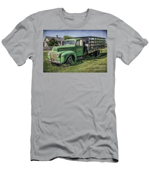 Farm Truck Men's T-Shirt (Athletic Fit)