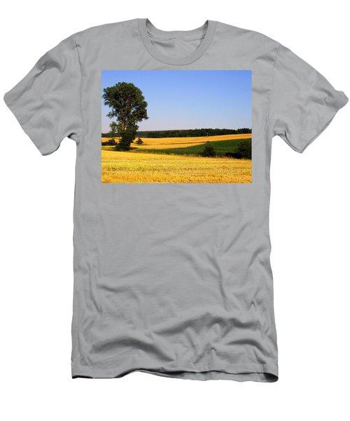 Field Flow Men's T-Shirt (Athletic Fit)