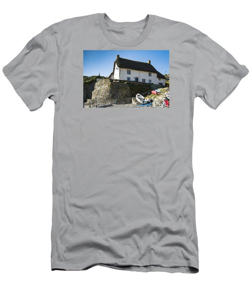 Fishermans Cottage Men's T-Shirt (Athletic Fit)