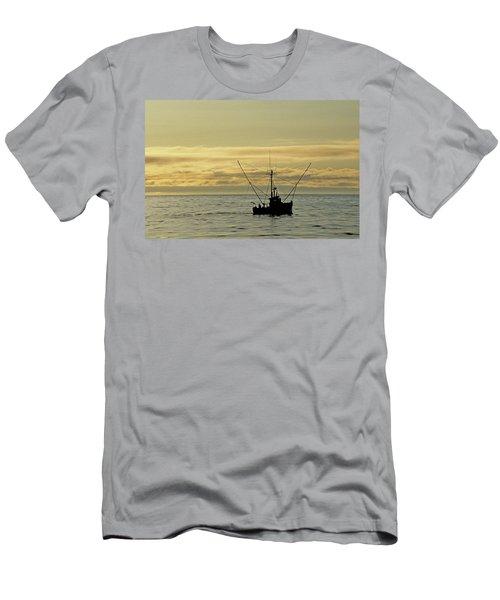Fishing Off Santa Cruz Men's T-Shirt (Athletic Fit)