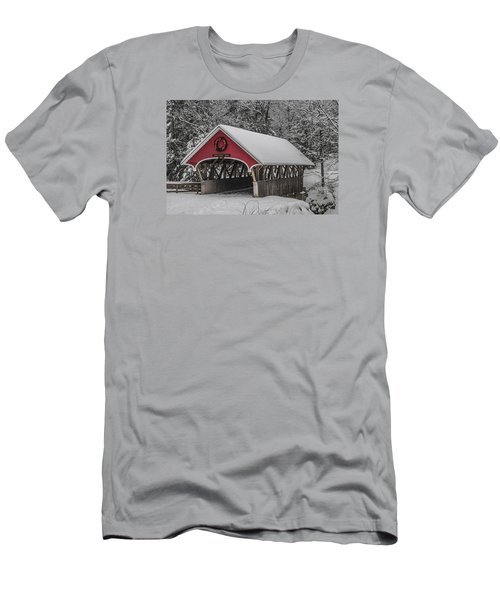 Flume Covered Bridge In Winter Men's T-Shirt (Athletic Fit)