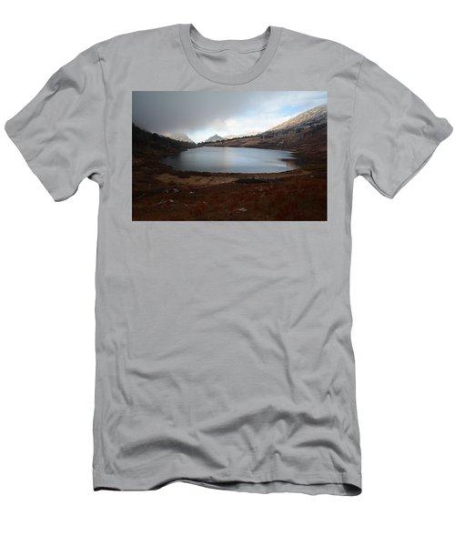 Foggy Favre Lake Men's T-Shirt (Athletic Fit)