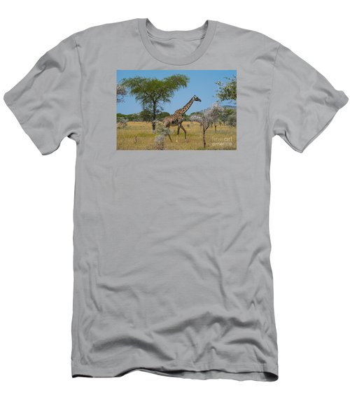 Giraffe On The Move Men's T-Shirt (Athletic Fit)