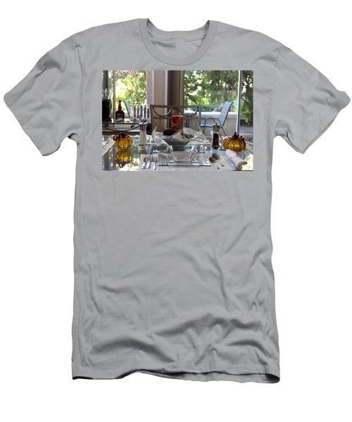 Giving Thanks In California Thanksgiving Table Men's T-Shirt (Athletic Fit)