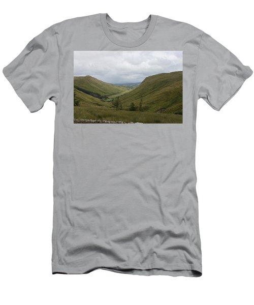 Glengesh Pass Men's T-Shirt (Athletic Fit)