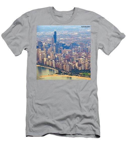 Going In For A Landing At #chicago Men's T-Shirt (Athletic Fit)