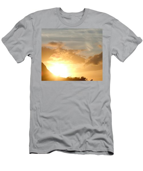 Golden Oahu Sunset Men's T-Shirt (Athletic Fit)