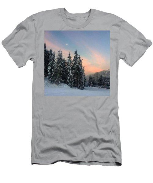 Goodmorning ☃. #sunrise #mountains Men's T-Shirt (Athletic Fit)