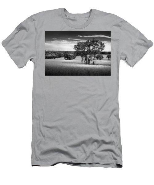 Grass Safari-bw Men's T-Shirt (Athletic Fit)