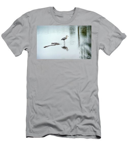 Great Blue Heron On Chesapeake Bay Pond Men's T-Shirt (Athletic Fit)