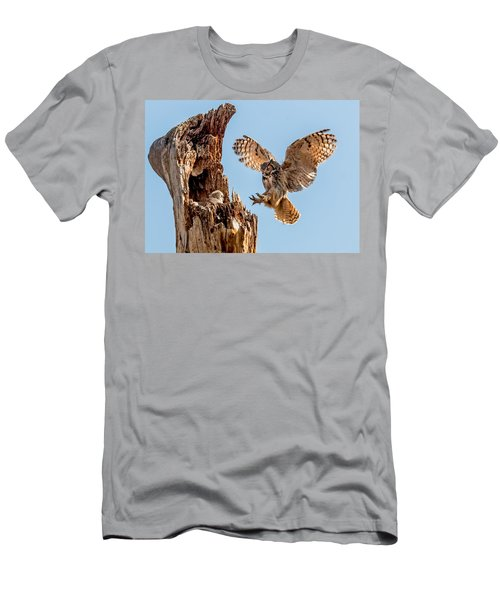 Great Horned Owl Returning To Her Nest Men's T-Shirt (Athletic Fit)