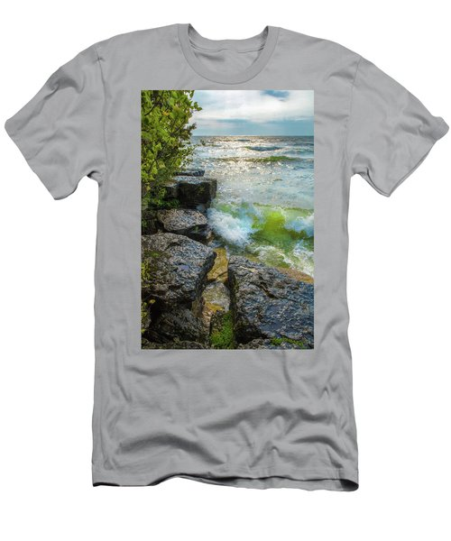 Great Lakes Men's T-Shirt (Athletic Fit)