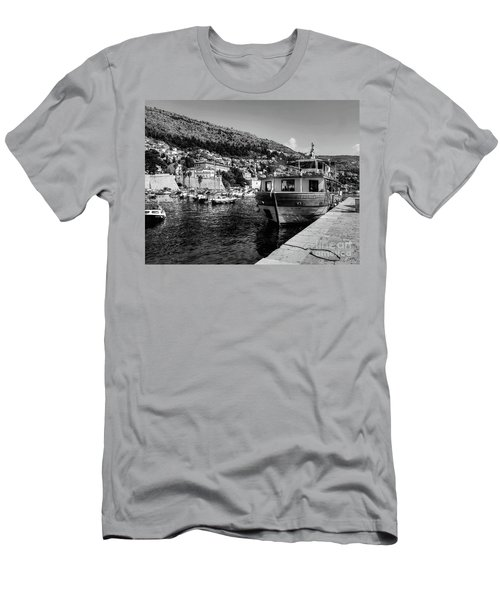 Heart Of The Harbour Men's T-Shirt (Athletic Fit)