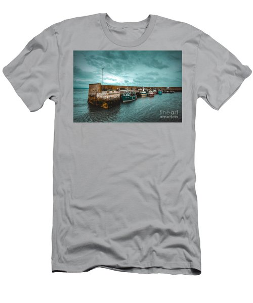 Helvick Harbour 2 Men's T-Shirt (Athletic Fit)