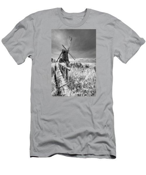 Herringfleet Pump Norfolk Uk Men's T-Shirt (Slim Fit) by Jack Torcello