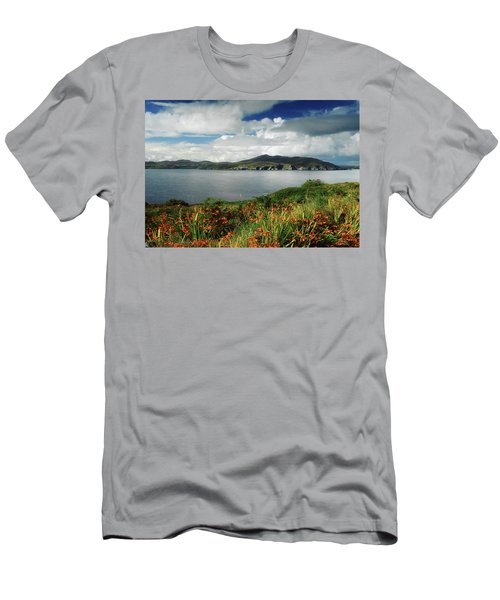 Inishowen Peninsula, Co Donegal Men's T-Shirt (Athletic Fit)
