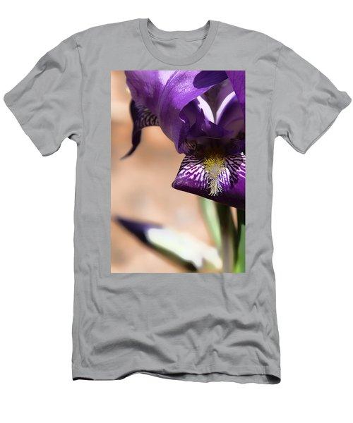Iris Gemanica Men's T-Shirt (Athletic Fit)