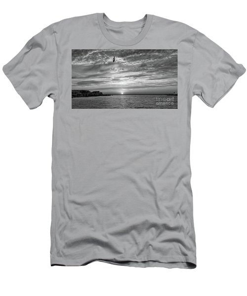 Jersey Shore Sunset In Black And White Men's T-Shirt (Athletic Fit)