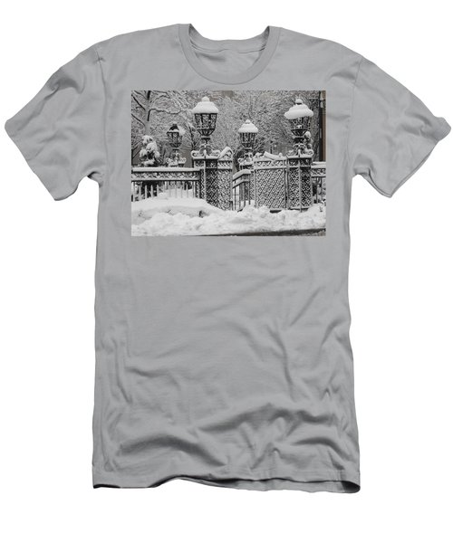 Kc Plaza Is Art In The Snow Men's T-Shirt (Athletic Fit)