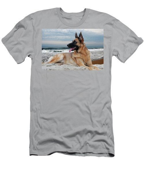 King Of The Beach - German Shepherd Dog Men's T-Shirt (Athletic Fit)