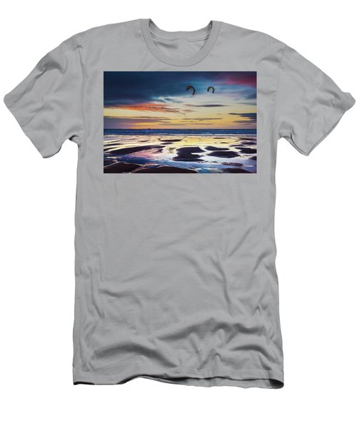 Kite Surfing, Widemouth Bay, Cornwall Men's T-Shirt (Athletic Fit)