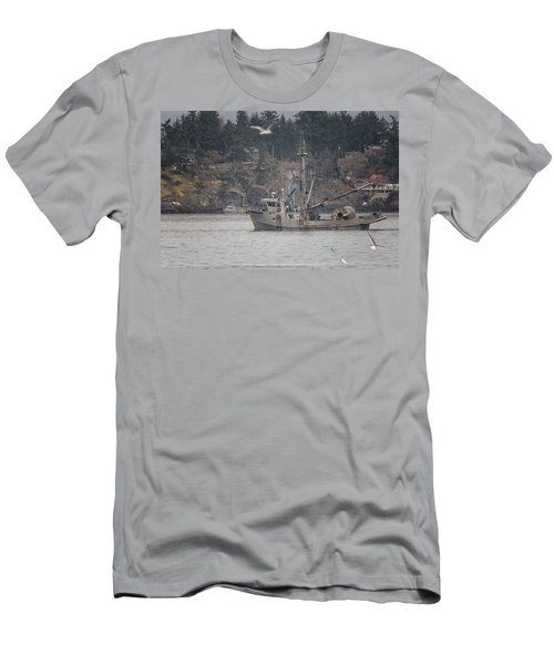 Men's T-Shirt (Slim Fit) featuring the photograph Kwiaahwah by Randy Hall