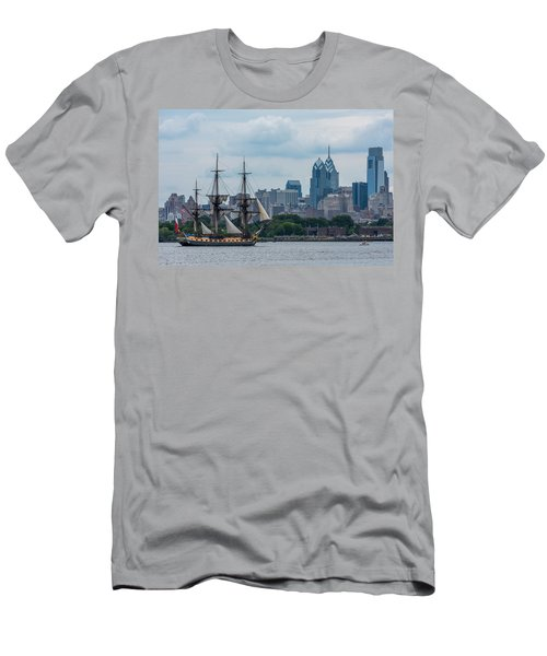 L Hermione Philadelphia Skyline Men's T-Shirt (Athletic Fit)