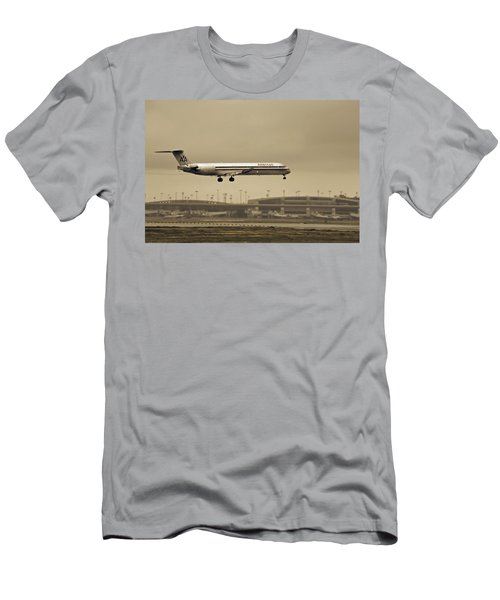 Landing At Dfw Airport Men's T-Shirt (Athletic Fit)