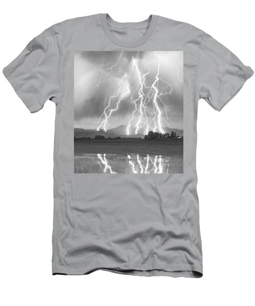 Lightning Striking Longs Peak Foothills 4cbw Men's T-Shirt (Athletic Fit)