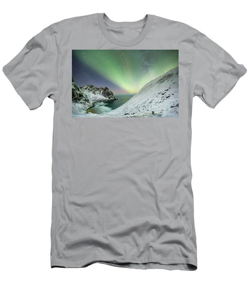 Lights Above Kvalvika Men's T-Shirt (Athletic Fit)