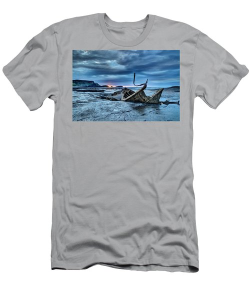 Lights Out On Admiral Von Tromp Men's T-Shirt (Athletic Fit)