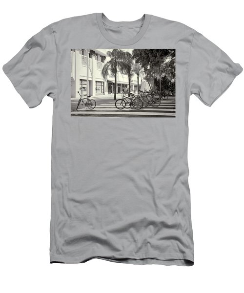 Lincoln Road Men's T-Shirt (Athletic Fit)