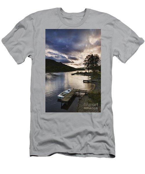 Loch Earn 2 Men's T-Shirt (Athletic Fit)