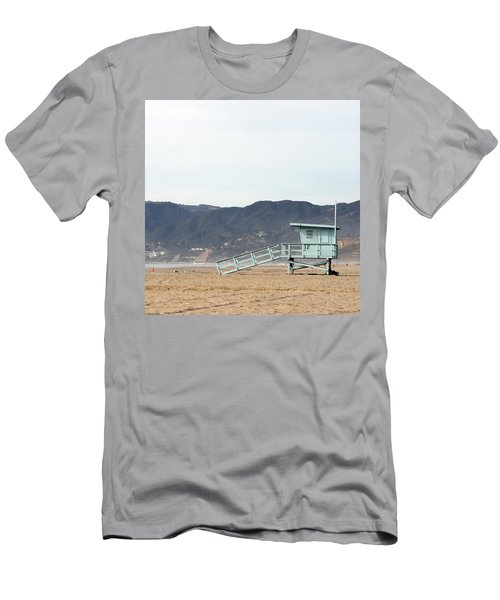 Lone Lifeguard Tower Men's T-Shirt (Athletic Fit)