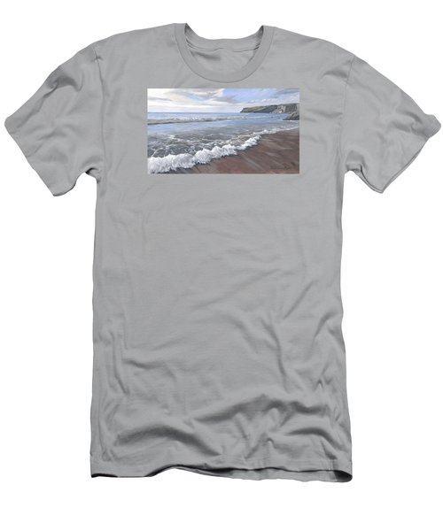 Long Waves At Trebarwith Men's T-Shirt (Athletic Fit)