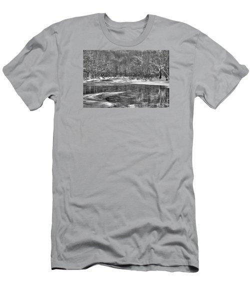 Loyalhanna Creek Bw - Wat0097 Men's T-Shirt (Athletic Fit)