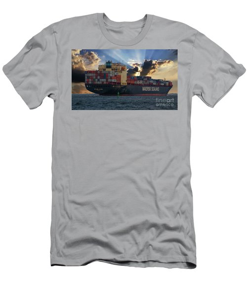 Maersk Sealand Leaving Charleston South Carolina Men's T-Shirt (Athletic Fit)