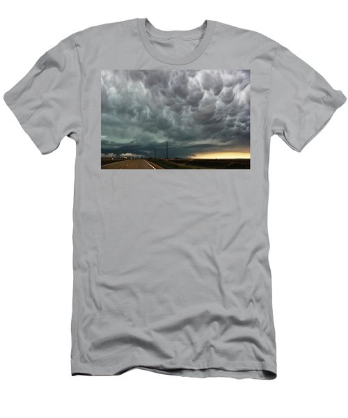 Men's T-Shirt (Slim Fit) featuring the photograph Mammatus Over Montata by Ryan Crouse