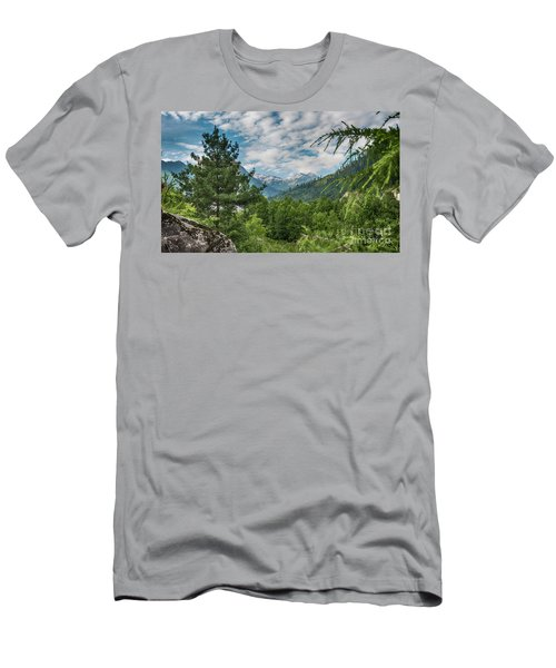 Manali In Summer Men's T-Shirt (Athletic Fit)